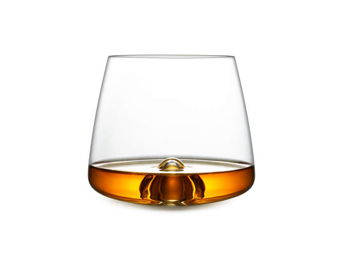 Whiskey_Glass_With_Whiskey_120910